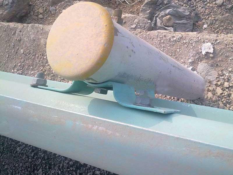 护栏板托架