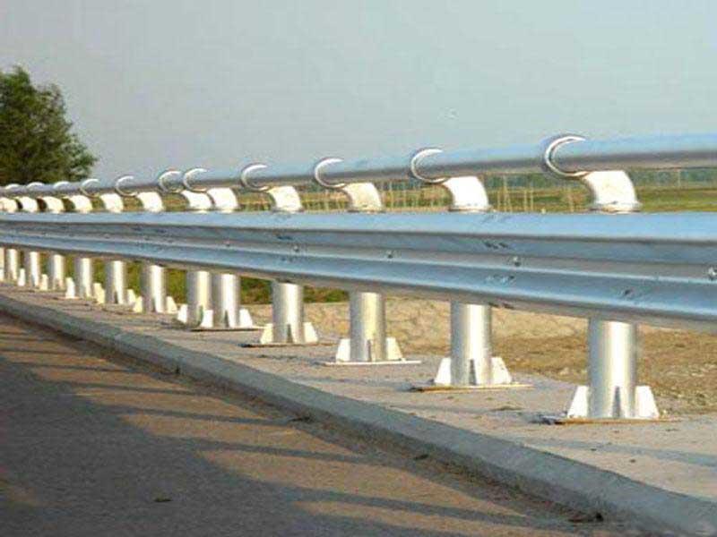 护栏板立柱 - 镀锌立柱